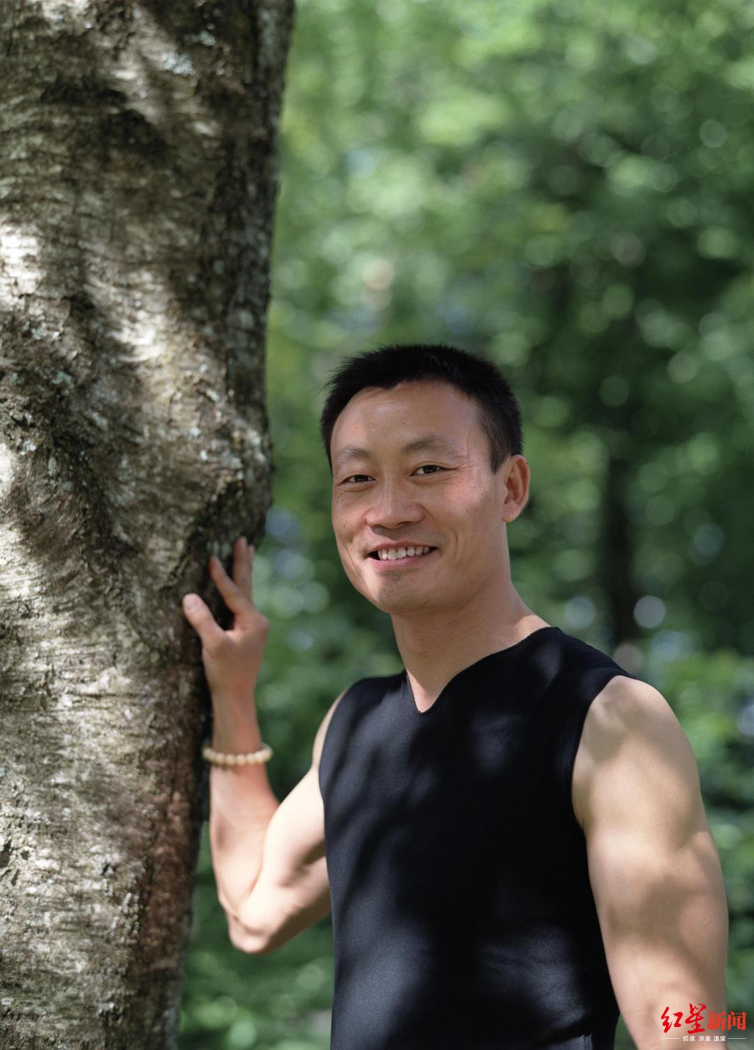 前体操奥运冠军李东华痛失爱子 他曾经历过的磨难你绝对难以想象