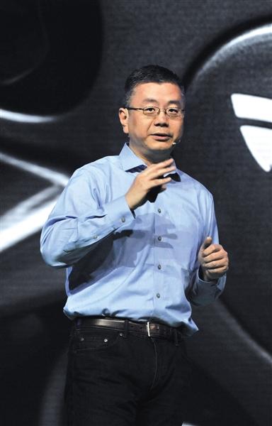 特斯拉全球副總裁任宇翔參加論壇活動。圖/視覺中國