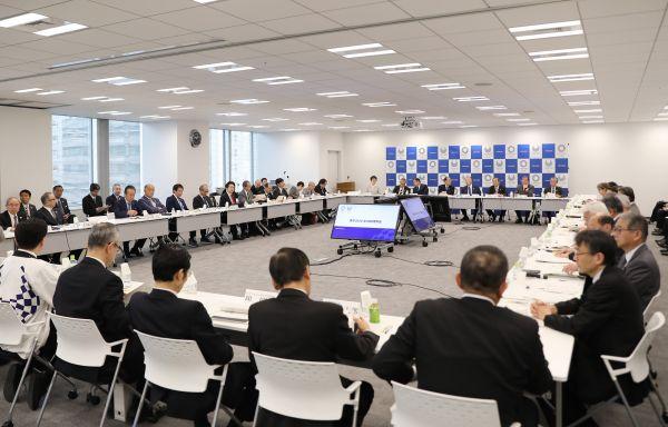 资料图:2020年东京奥运会、残奥会组织委员会在理事会议中。新华社记者杜潇逸摄