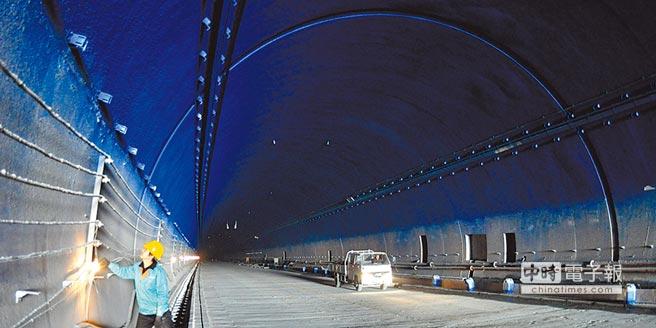 """大陆修""""台湾海峡海底隧道""""引发热议 台网友九成叫好"""