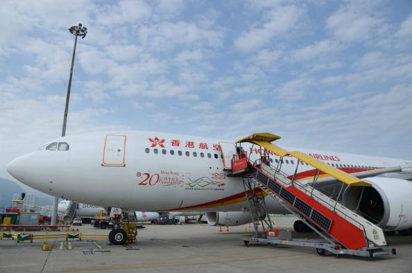 <b>港媒:港府对香港航空财务状况不满 或吊销其牌照</b>