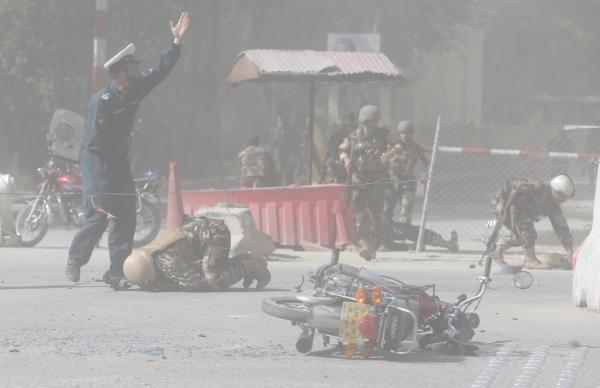 外媒:阿富汗首都两起爆炸已致25人死亡 含5名记者
