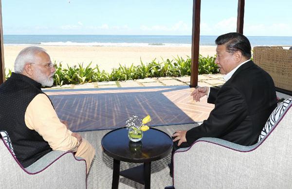 10月12日,国家主席习近平在金奈同印度总理莫迪继续举行会晤。新华社记者鞠鹏摄