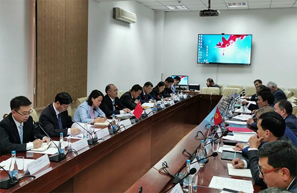 外资司分别与吉尔吉斯斯坦、乌兹别克斯坦方面召开中吉乌铁路项目双边工作会议
