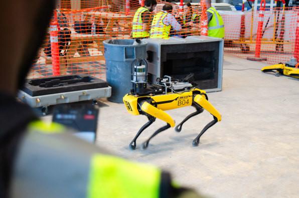 波士顿动力公司的机器狗终于投入商用 采集360°图像