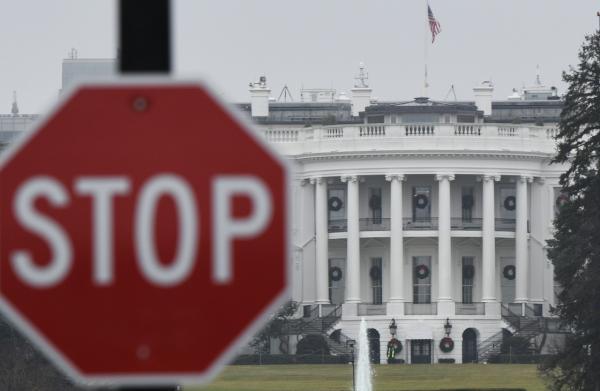 为了在美墨边境建墙,川普甚至扬言,如果得不到56亿美元拨款,关门将持续数月或数年。 新华社 图