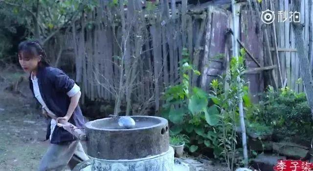 90后姑娘辞职后,归隐山林,酿酒做菜,把日子过成诗!