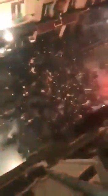 里昂VS圣埃蒂安的罗讷河德比赛前爆发球迷骚乱!