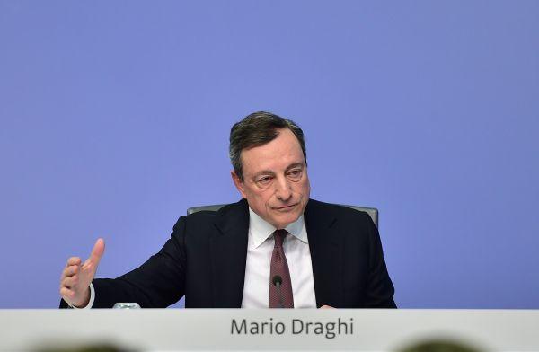 歐洲央行行長馬里奧·德拉吉罕見地對美聯儲的獨立性表達擔憂。(新華社)