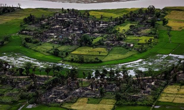 若开邦孟都地区的一座村庄废墟 图源:路透社