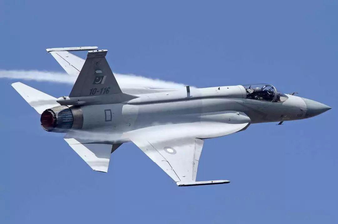 中国枭龙相比美二手F16价格并无优势 航程还有不足奥巴马与罗姆尼辩论