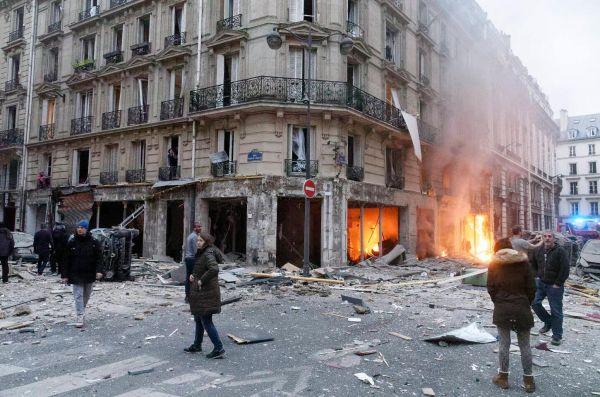 1月12日,巴黎的一家面包店发生爆炸。(视觉中国)
