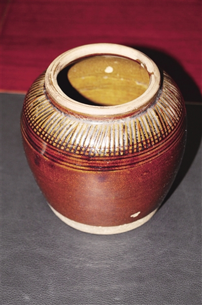民窑酱油釉小罐 收藏价值并不高