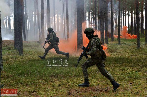 中亚俄军厉兵秣马练反恐 塞尔维亚特种兵赴俄切磋