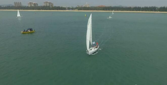 2018中国·东山岛国际企业家帆船赛开幕 30支队伍参赛