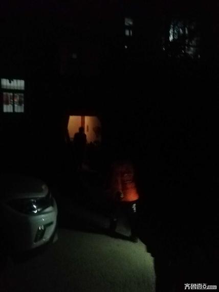 找记者·上壹点 济南一小区地下室凌晨起火,多亏她喊醒邻居