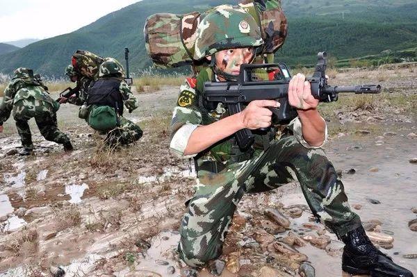 ▲武警部队演习。 图片来源:新华社