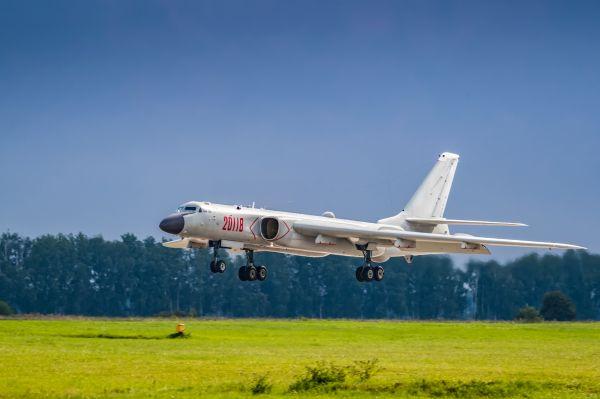 图为轰-6K轰炸机。新华社