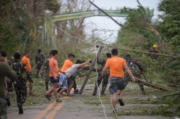 """海外媒体:超强台风""""山竹""""或重创亚洲"""