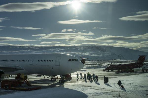 格陵兰的一座机场(美国《华尔街日报》网站)