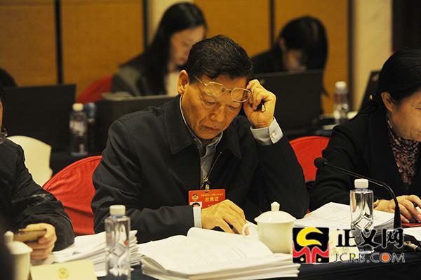 全国政协十三届二次会议科技界别召开小组会议