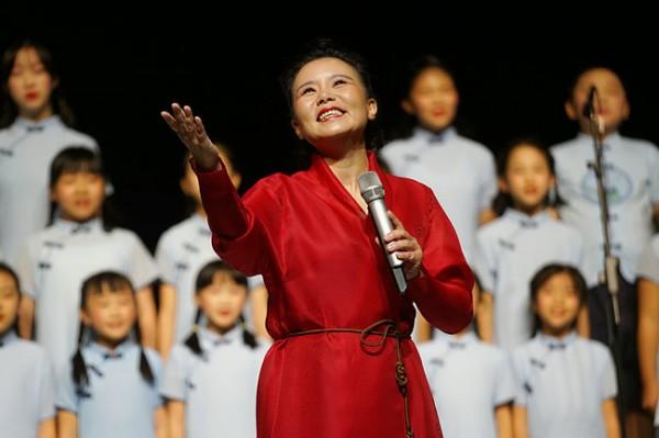 """龚琳娜24节气古诗词音乐会开启第二轮全国巡演  """"流动的时光""""感动家乡贵阳"""
