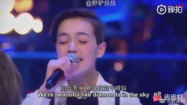 13岁迷幻嗓音 震撼好声音battle比赛《Diamonds》