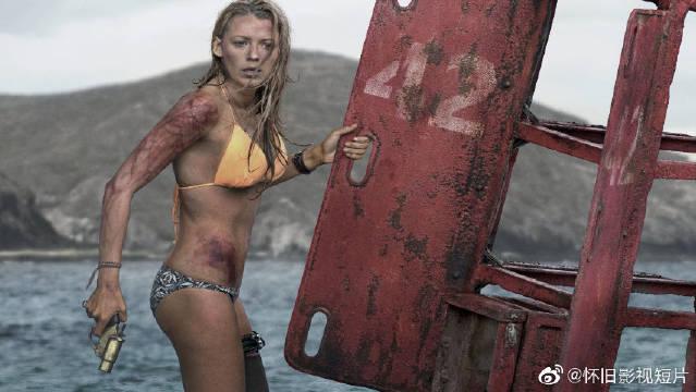 《鲨滩》是一部由佐米·希尔拉执导,布蕾克·莱弗利