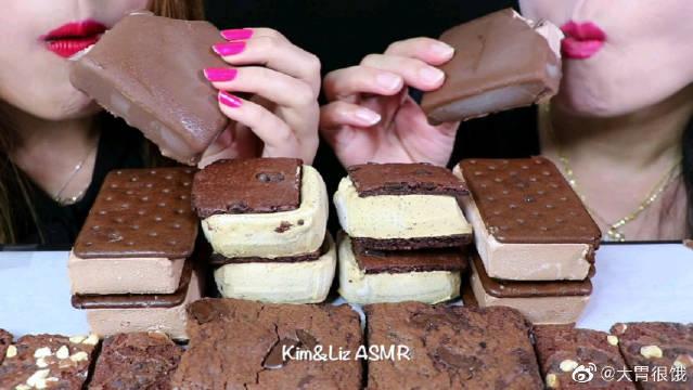 母女俩吃布朗尼蛋糕、巧克力布朗尼冰淇淋,还有最爱的脆皮!