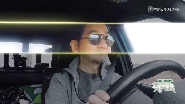 老司机张国立过弯道超帅气!秀车技求表扬现场惨遭打脸