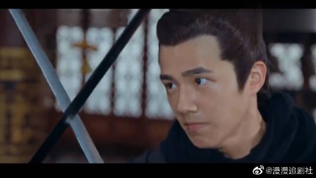 琅琊榜:莱阳王谋反兵败,与长林王单挑,赤焰手环挡下致命一击