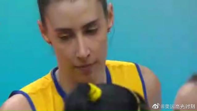 里约奥运会最经典的瞬间:狂欢的中国女排,和痛哭的巴西女排