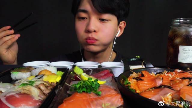 Chan sori吃播三文鱼和寿司拼盘,这点不够再加点吸血鬼炸鸡!