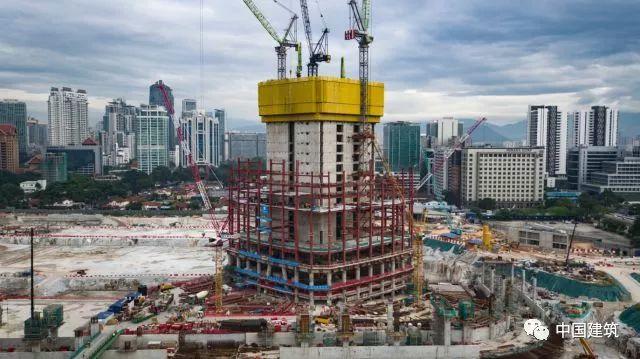 中企海外承建最高建筑在吉隆坡封顶,两三天建