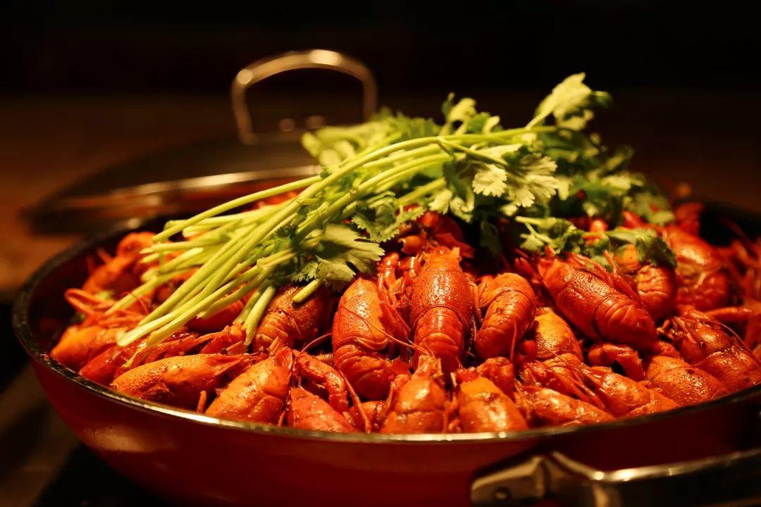 (5种不同口味的小龙虾,各类海鲜,烧烤,日料等,8大美食档口) 海鲜档口