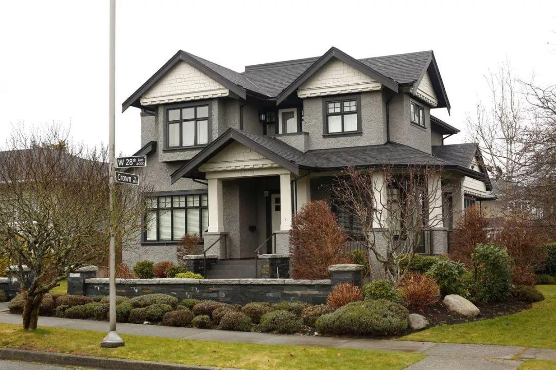 另据加拿大《环球邮报》报道,孟晚舟一家在温哥华的住宅周日遭不明