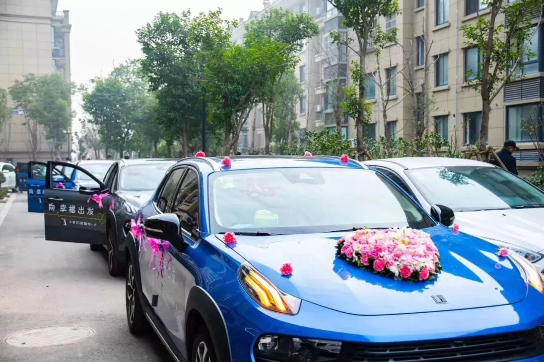 湖州惊现这样的婚车车队,比豪车更讨新娘欢心