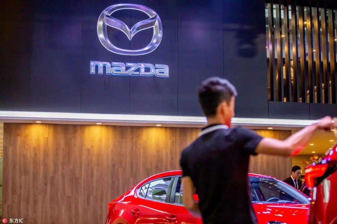 英菲尼迪前总裁跑去戴森造车啦;丰田全新汉兰达谍照曝光;领克2019年将推4款新车