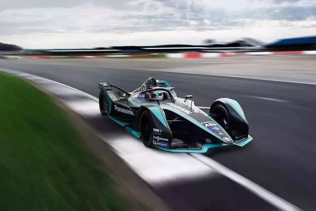 刚刚!2019电动方程式赛事新闻发布会举行!炫酷二代赛车亮相图片