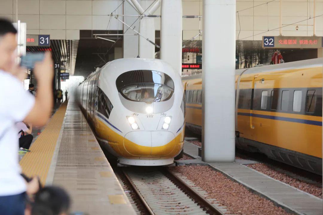 郑阜铁路开始联调联试:时速350 组成米字形高铁网
