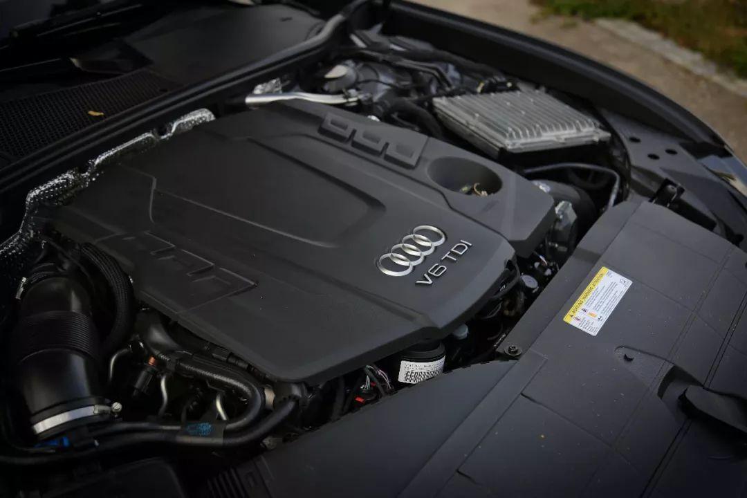 开到230km/h也不飘,这台德系车不仅帅掉渣,还超能装!