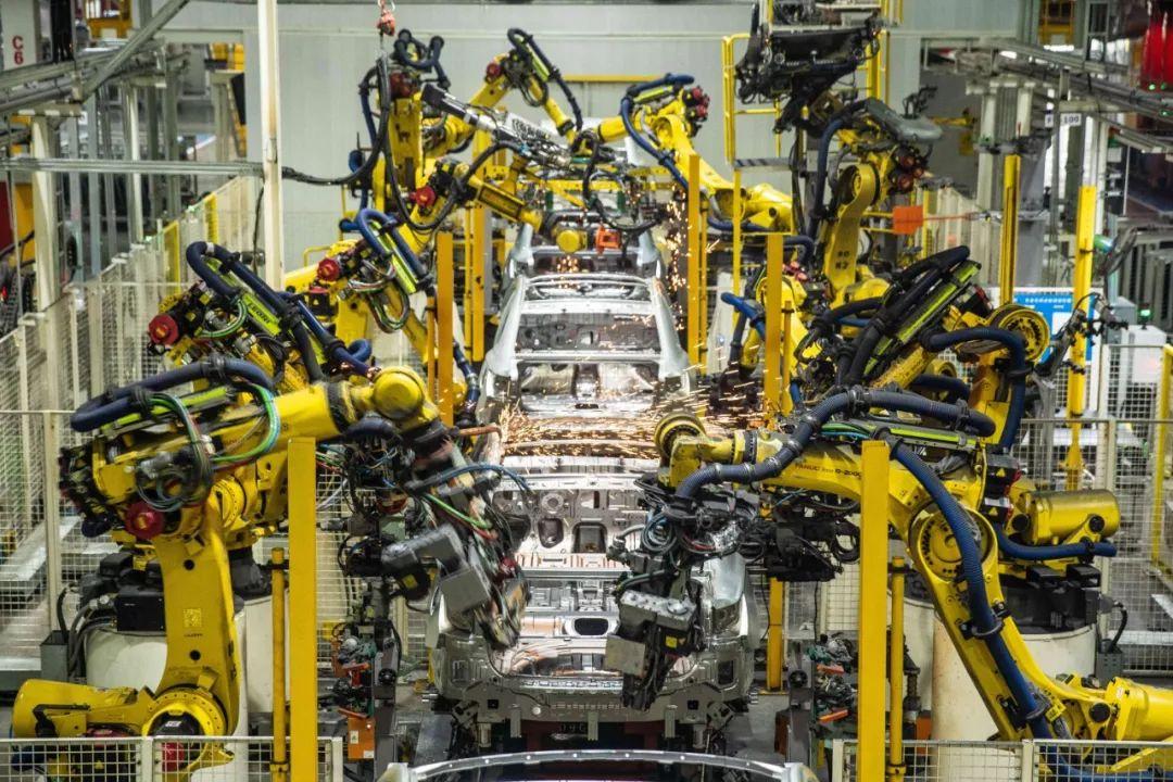 生产荣威RX3和i5的上汽郑州工厂里边什么样?