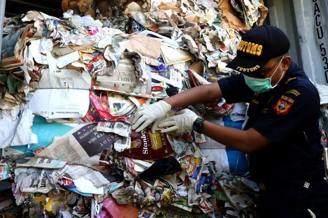 """探秘""""洋垃圾""""污染 二恶英侵入印尼食物链"""