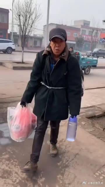 打工被坑,为了回家看老母亲,38天步行一千多公里!