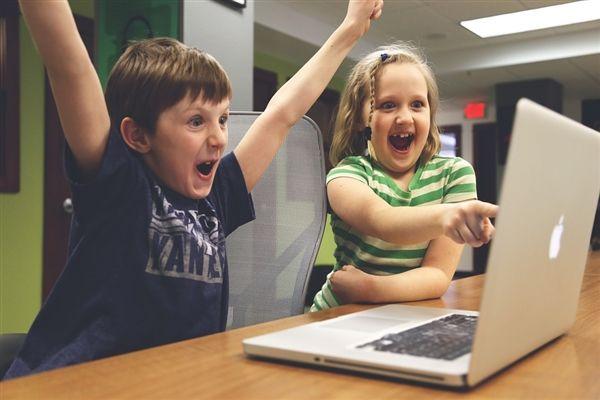 苹果突然宣布将于3月27日发布学生版新iPad