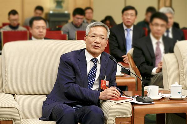 全国人大代表、上海市崇明区委书记唐海龙。 澎湃新闻记者 赵昀 图