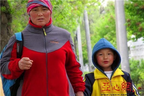新疆裕民县:立夏时节寒潮来袭