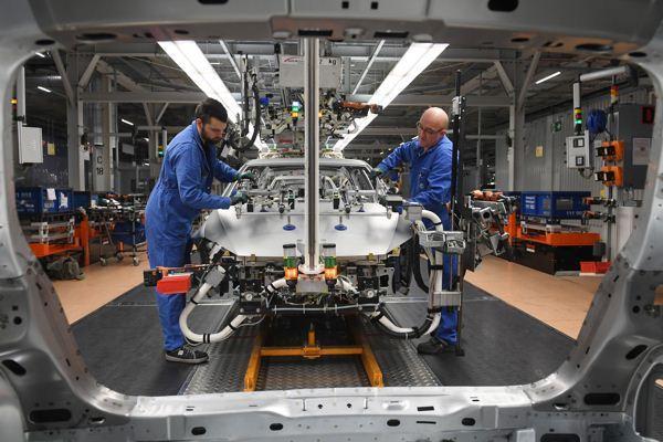 """汽车关税""""箭在弦上"""":美欧全面贸易战风险上升"""