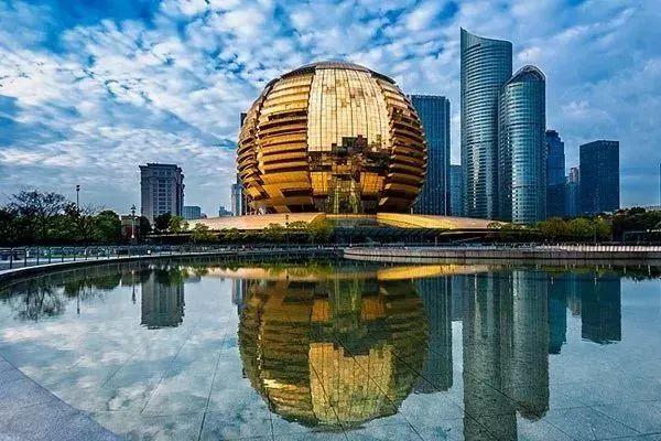 """杭州,当之无愧的""""无现金第一城""""。"""