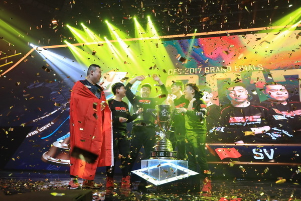SV以10:6再次战胜对手,夺得了CFS2017世界总决赛的冠军。(来源:52PK)